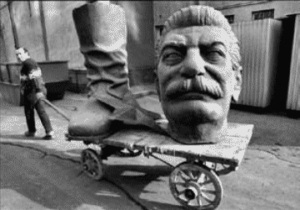 Stalin statue dismantled