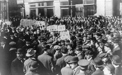 Rally at I.W.W. trial, Chicago, April 1918