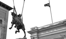 photo: removal of equestrian statue of Spanish dictator Francisco Franco