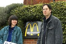 Photo, Anti McDonald's campaigners, Helen Steel and Dave Morris