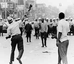 photo: 1967--Detroit explodes